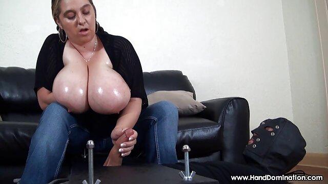 彼女はこの美しい甘いお母さんをクソ一日を過ごした 女 同士 セックス 動画