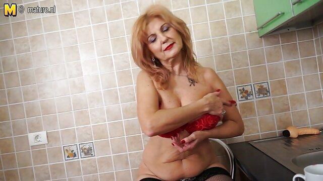 制服チンパンジーの女の子は楽しい性交する性交。 h 動画 女性 無料