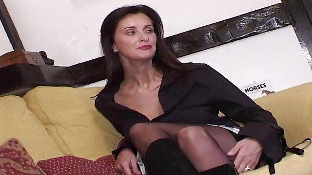 マッサージと粉末と最終的に精液熟女Julia Ann エロ 女 の 動画
